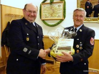 JHV 2015 Ehrung Manfred Peetz für 40 Jahre Mitgliedschaft im Feuerwehrverein